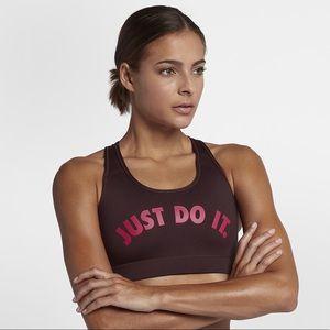 Nike Victory Women's Medium Support Sports Bra